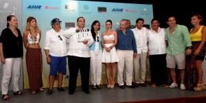 """El gobernador da """"Claquetazo"""" inicial para el rodaje de la película """"la Paloma y el Cuervo"""" en Isla Mujeres"""