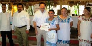 Personal del sector restaurantero en Yucatán se capacita sobre productividad