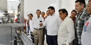 Se inaugura sala de envasado de Apícola Maya