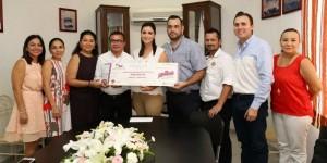 Entrega DIF Quintana Roo apoyo a la Cruz Roja Delegación Chetumal