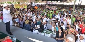 Ni un sólo ejido de Veracruz fuera del desarrollo y la productividad: Javier Duarte