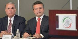 Mauricio Góngora en el Senado Mexicano participando en el Taller de Expansión Urbana