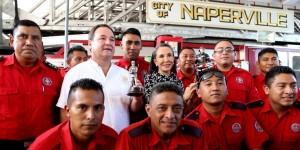 Entrega Florinda Meza regalos a Bomberos de Cancún