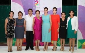 Asiste Mariana Zorrilla de Borge al II Informe de actividades de la presidenta del DIF Isla Mujeres