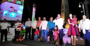 El gobernador y la presidenta del DIF Quintana Roo encienden las luces de la gran feria de la Navidad