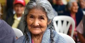 Continúan adultos mayores de 70 años cobrando su pensión a través del DIF Veracruz
