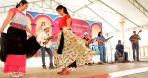 Disfrutan visitantes fiesta del son jarocho en Tlacotalpan