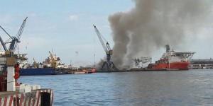 Controlan incendio en buque de Pemex en zona portuaria de Veracruz