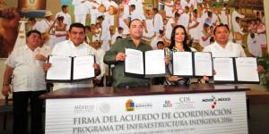 El gobernador y la directora general de la CDI firman convenio Quintana Roo 2016
