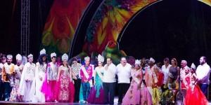 """El gobernador Roberto Borge Corona a los Reyes del Carnaval """"Chetumal 2016"""""""