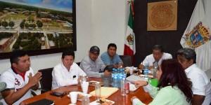 Acuerdos para evitar depredación de recursos pesqueros en Isla Arena, Campeche