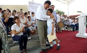 Alumnos, maestros y padres de familia en Yucatán construyen comunidades exitosas