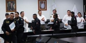 Policia local cumple y sirve a Yucatán