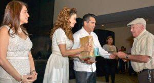 Moreno Cárdenas y esposa, encabezan celebración Día del Jubilado estatal