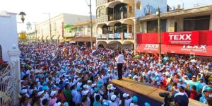 Anuncia Héctor Yunes Landa programa para mejorar carreteras en la zona sur de Veracruz