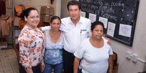 Útiles y uniformes en Educación Básica serán a cuenta de su gobierno en Veracruz: Héctor Yunes