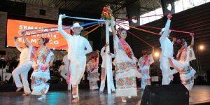 La jarana y el teatro regional dan muestra de la tradición yucateca