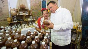 Festín de colores y sabores de Yucatán en el Palacio de los Deportes