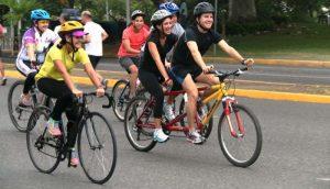 """Fiesta de integración familiar en la """"Bici Ruta"""" de Centro"""