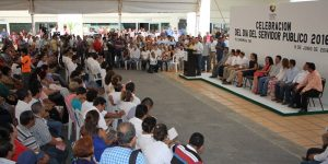 Redoblar esfuerzos a favor de los habitantes de Centro: Gaudiano