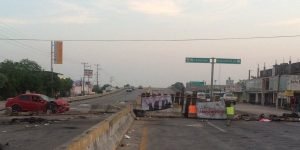 Cumplen bloqueos seis días en Tabasco, no hay solución