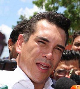Mil 300 acciones de vivienda para Carmen, anuncia el gobernador Alejandro Moreno Cárdenas