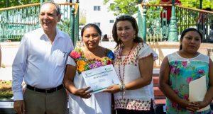 Adquieren nuevas habilidades en talleres del DIF Yucatán