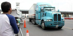 Opera SEMARNAT sensores remotos en el valle de México para detectar vehículos altamente contaminantes