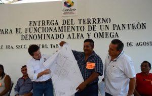 Entrega Gaudiano terreno para edificar un panteón en González 1ª