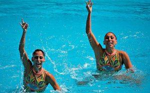 Las mexicanas Karem Achach y Nuria Diosdado clasifican a la final de nado sincronizado