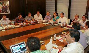Evalúa Alejandro Moreno Cárdenas con el gabinete avance de obras en Campeche