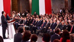 Asiste Arturo Núñez Jiménez al informe del gobernador de Michoacán