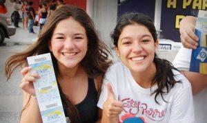 Fans de Justin Bieber compran boletos para el show en Monterrey