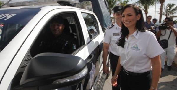 capaxcitacion-permamente-a-policias-en-puerto-morelos-laura-fernandez