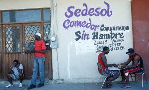 Atienden Comedores Comunitarios a más de 2,500 migrantes de Haití y el Congo