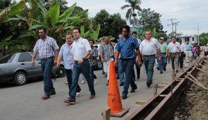 Supervisa Gaudiano inicio de construcción de banquetas y calles en Boquerón 3ra sección