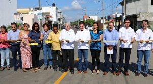 Inauguran Gaudiano y Núñez 15 calles pavimentadas en Santa Elena