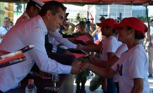 El Gobernador Alejandro Moreno Cárdenas encabeza entrega de 2, 576 cartillas liberadas del SMN