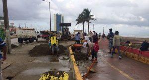Activan plan de limpieza tras el paso del Frente Frío 15 en Coatzacoalcos
