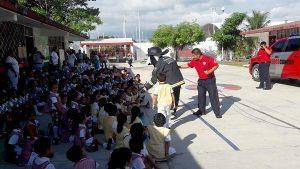 Bomberos realizan campaña sobre medidas de prevención en los hogares de Benito Juárez