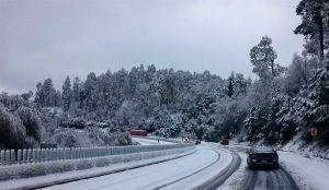 Cae nieve y agua nieve en varios estados de México