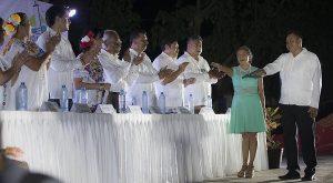 Laura Fernández toma protesta a Leouvín Medina Cahuich como nuevo delegado de Leona Vicario