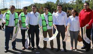 Remberto Estrada pone en marcha obra de pavimentación de la Avenida Huayacán