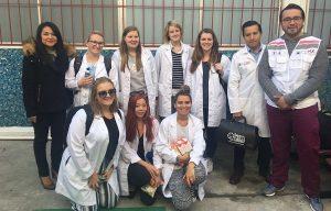 Visitan estudiantes de Australia la CDMX para conocer «El Médico en Tu Casa»