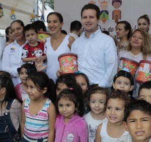 Reyes Magos dejaron juguetes para niñas y niños de Cendis y Estancias Infantiles de Centro