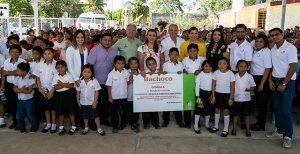 Entrega DIF Yucatán una tonelada de despensa a familias del oriente de la entidad