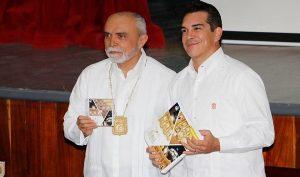 Asiste Alejandro Moreno Cárdenas a Informe de labores del rector del Instituto Campechano