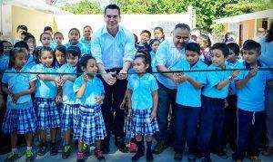 Obras por más de 7.4 MDP entrega el gobernador Hopelchén
