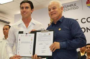 Remberto Estrada firma convenio con instituciones educativas de Benito Juárez