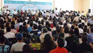 """Más de 300 parejas en Coatzacoalcos legalizan su unión en las """"Bodas Colectivas Gratuitas"""""""